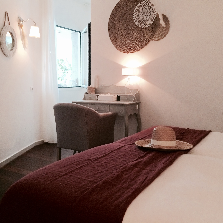 chambre lits jumeaux et mobilit r duite en rez de chauss e la maison du lierre. Black Bedroom Furniture Sets. Home Design Ideas