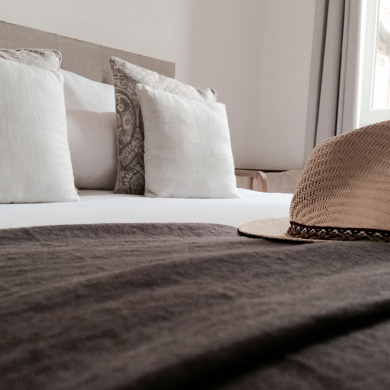 chambre double classique 2 personnes la maison du lierre. Black Bedroom Furniture Sets. Home Design Ideas
